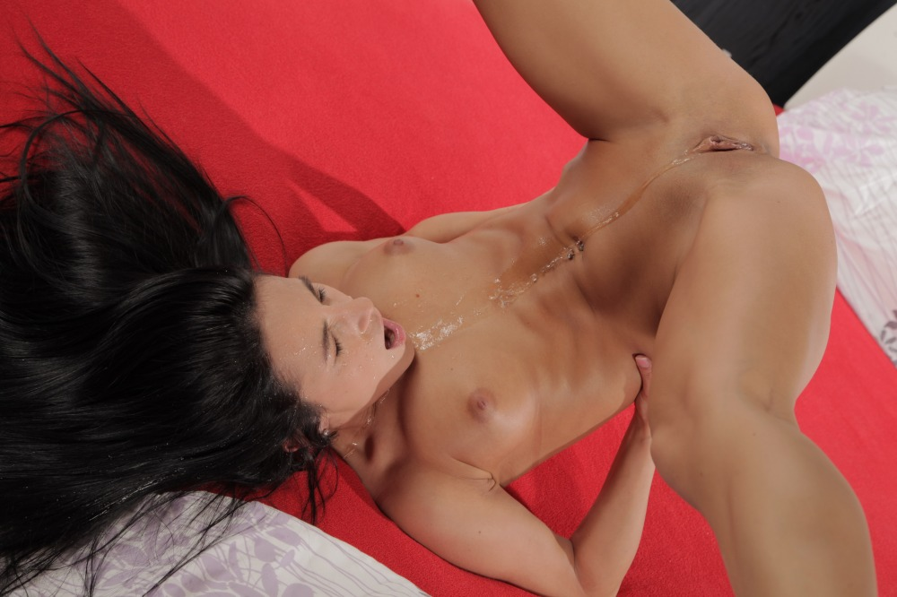 Sexy babe Lexi Dona toys her piss soaked pussy