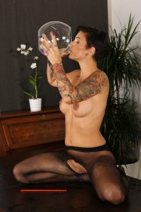 Solo piss play for naughty babe Gabrielle Gucci